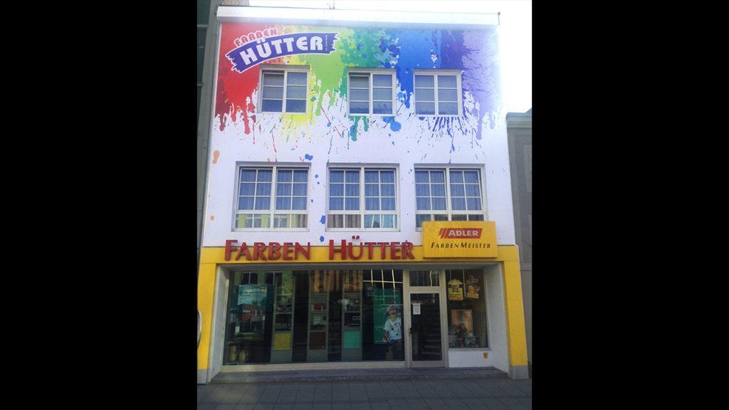 Farben-Huetter-Fassade