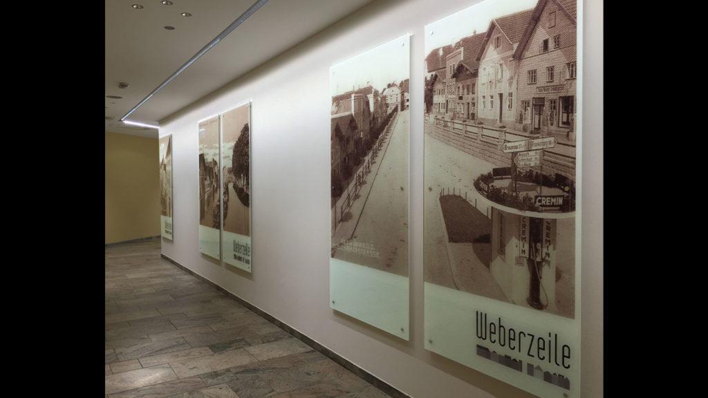 Weberzeile-Schilder